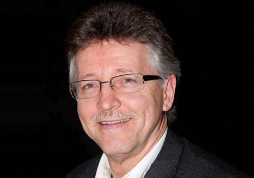 <b>Glenn Duxbury</b>